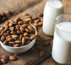 アーモンドミルクのおすすめ5選!栄養成分、カロリー、糖質量などもご紹介!